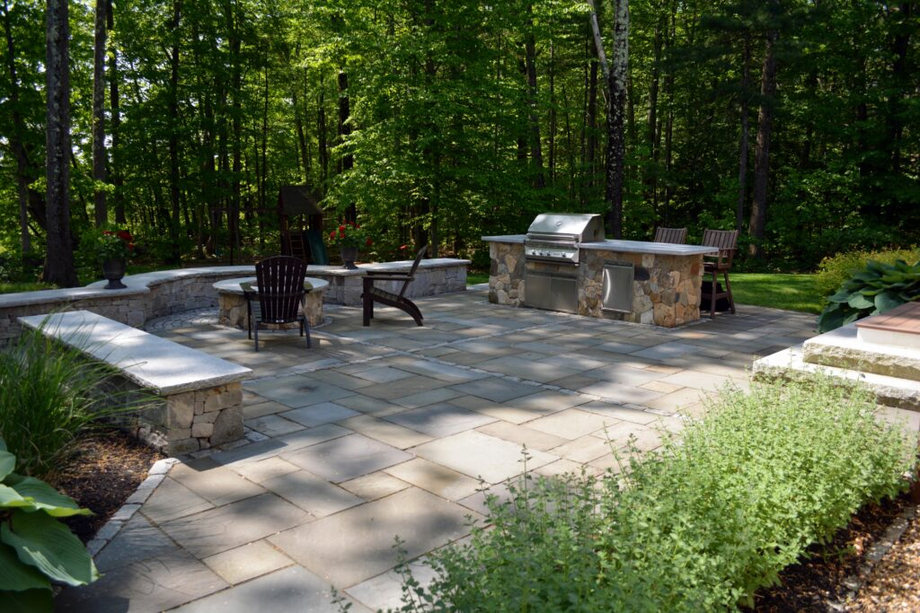 Outdoor kitchen area in NH